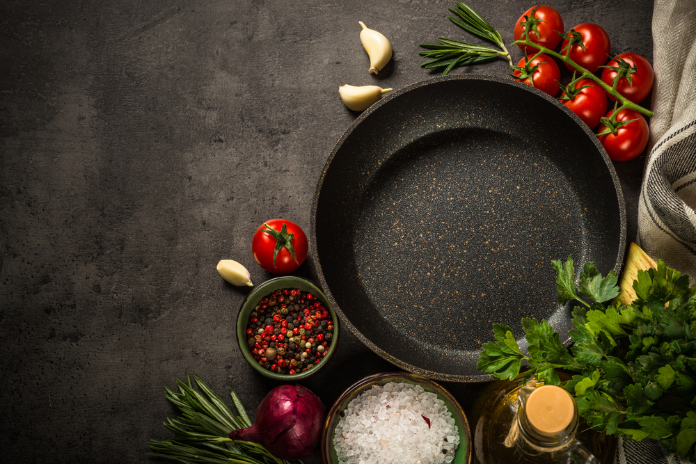 IS COOKING WITH CAST IRON HEALTHY?